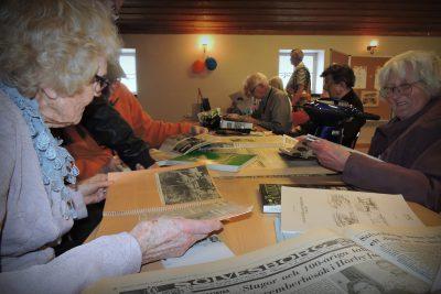 Stort intresse för gamla dagstidningar...man kunde sitta länge...
