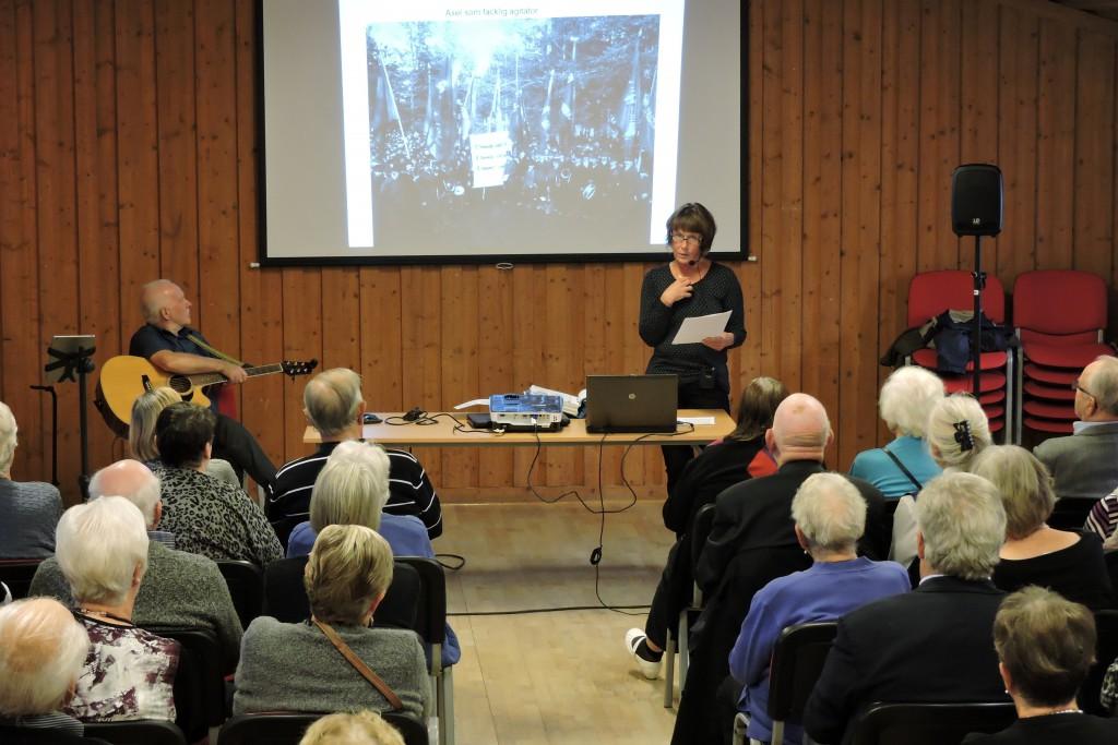 Erika berättar, Axel var mycket aktiv inom den svenska arbetarrörelsen...men har blev också svartlistad i Sverige.