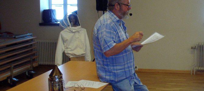 Uppskattad föreläsning av Thord Kristiansson om våra viktiga insekter, Honungsbina…